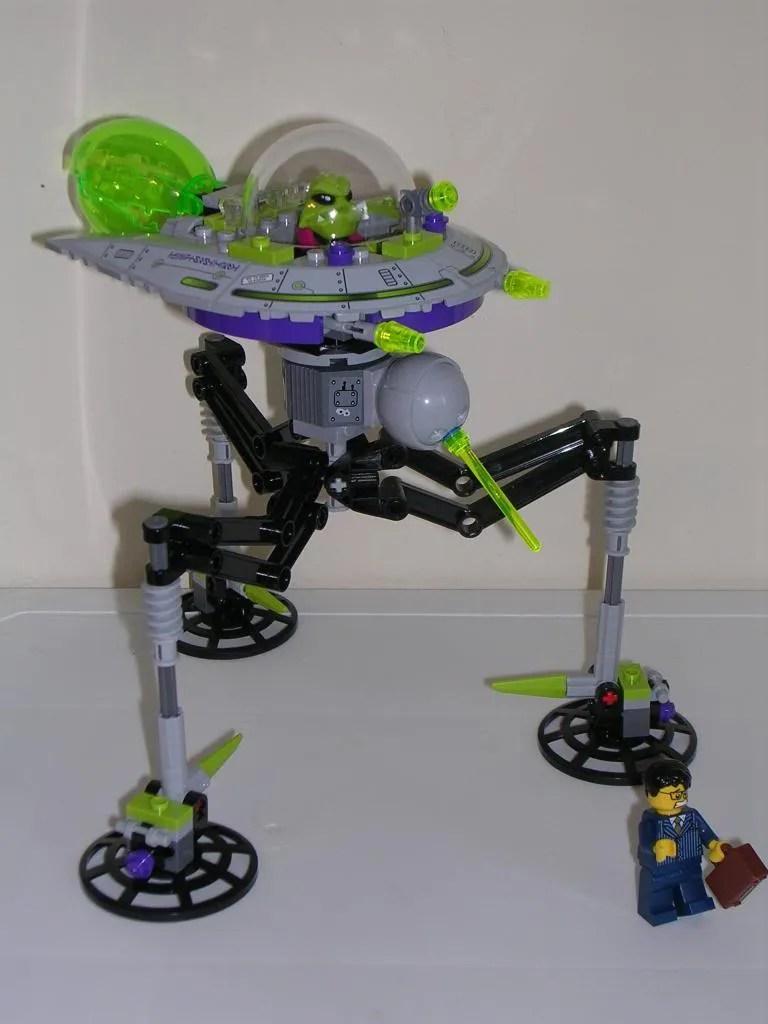 7049 alt1 |Lego Alien Invasion