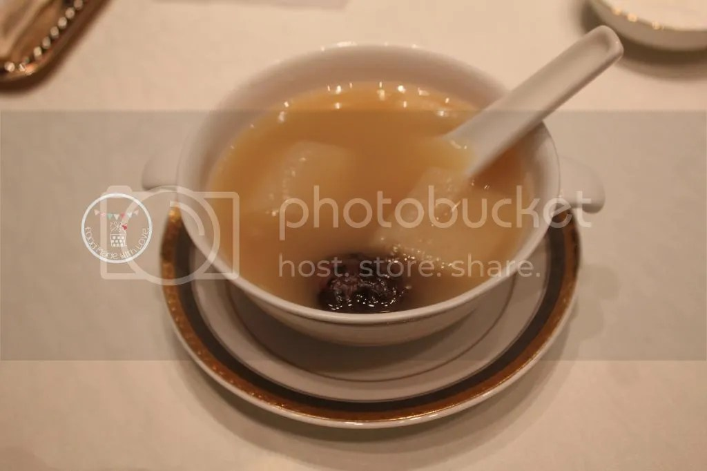 Double boiled chicken consomme with dried scallops and mushroom