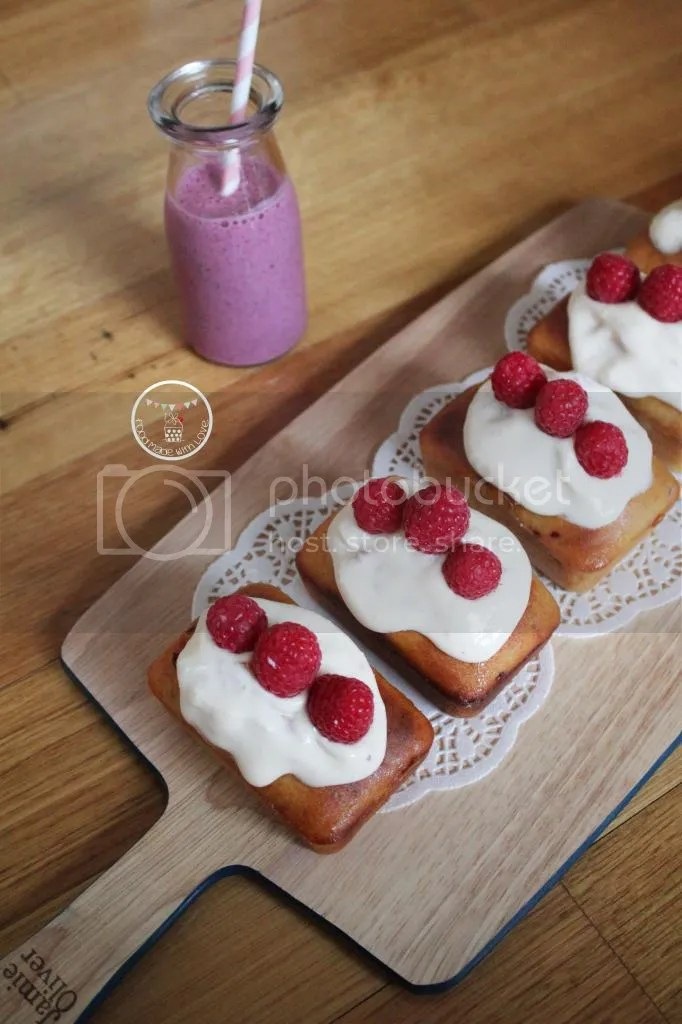 mini loaves - light reflection