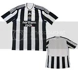 Newcastle United Adidas 2009/10 Home Kit / Jersey