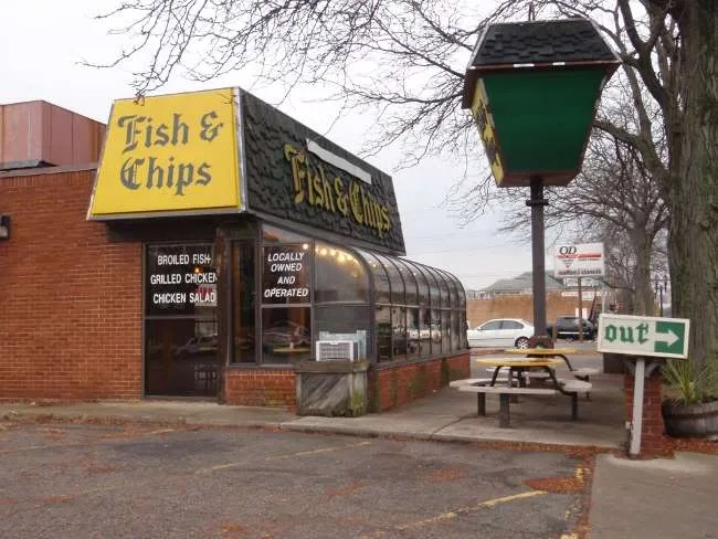 Fish chips sw michigan dining for Fish fry lansing