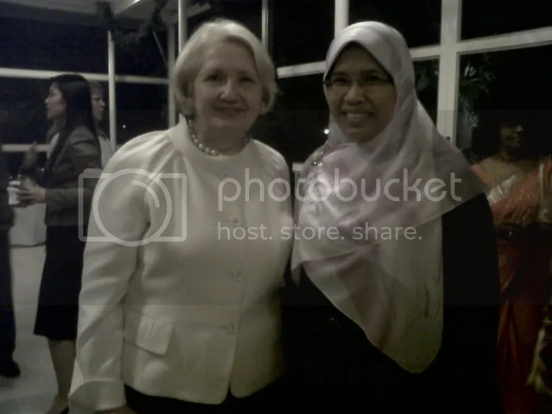 Rodziah Ismail with Ms Melanne Verveer