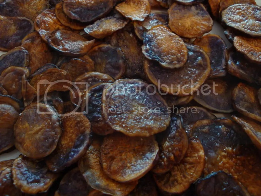 homemade oven baked blue potato chips