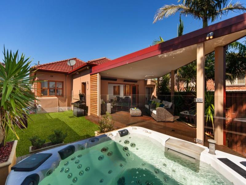 Outdoor living design with spa from a real Australian home ... on Outdoor Living Spa  id=61893