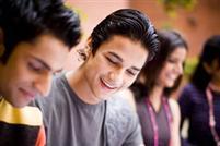 Tham dự bài giảng mẫu về chuyên ngành kỹ thuật và công nghệ để trải nghiệm cảm giác của sinh viên Anh trên giảng đường
