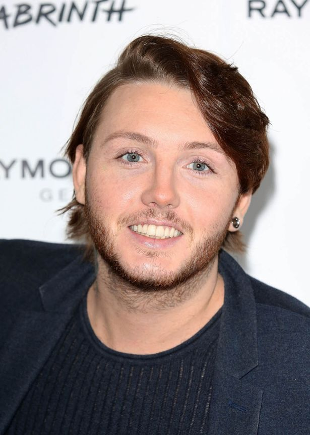 Is James Arthur Wearing Lip Gloss And Mascara The Singer