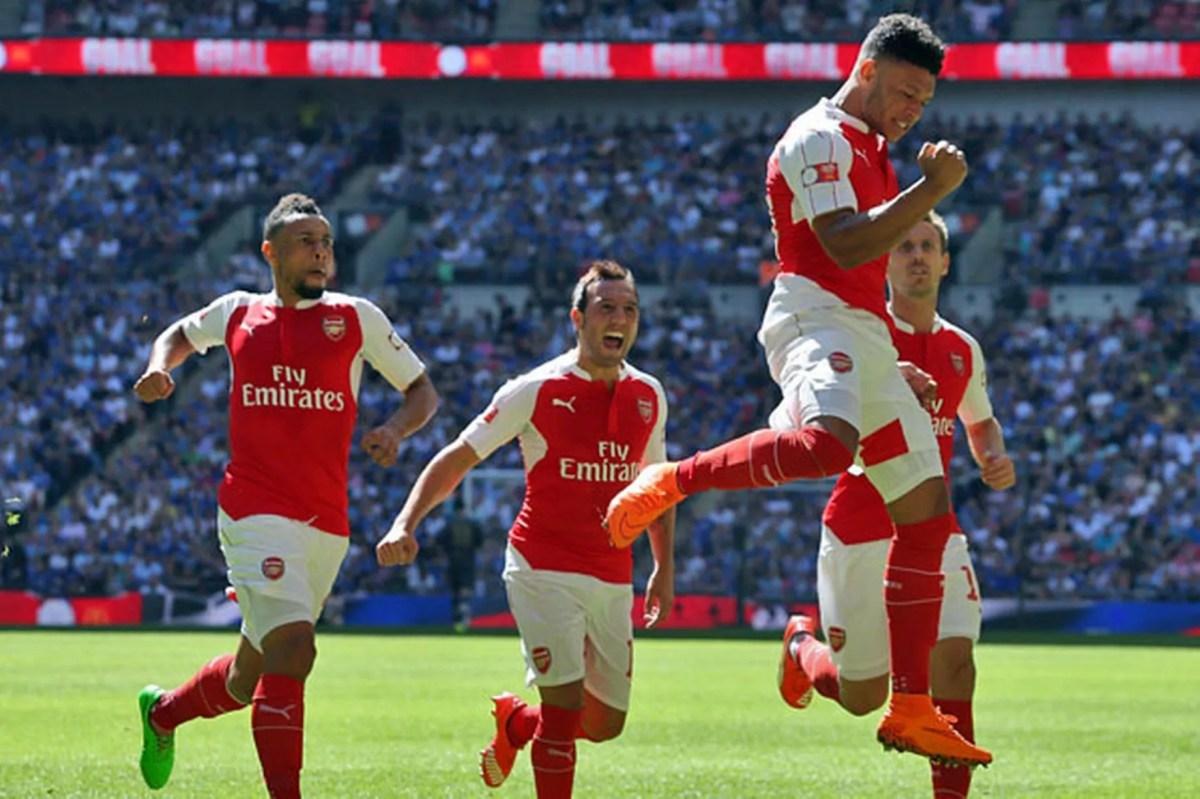 Alex Oxlade-Chamberlain celebrates his goal