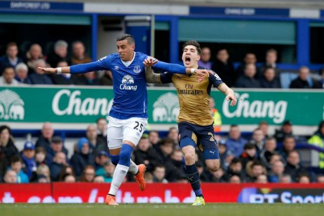 Funes Mori clashes withHector Bellerin