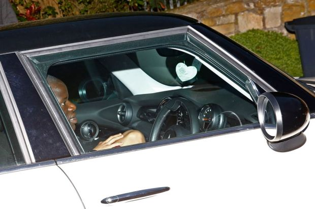 N'Golo Kante arrives at Jamie Vardy's home
