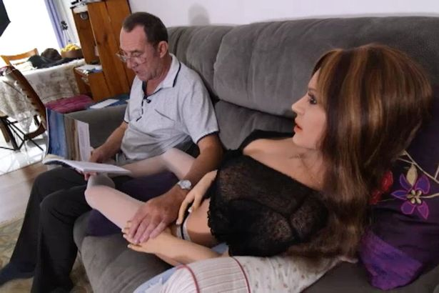Man divorced 3 times finds love with a sex doll called Noni