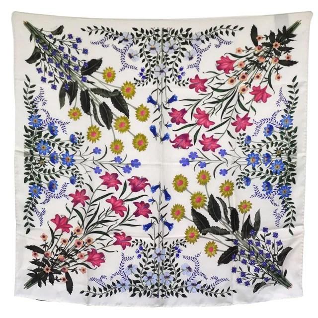 【GUCCI 古馳】經典滿版植物花卉圖騰絲巾/圍巾(白色476526-3G001-9200)