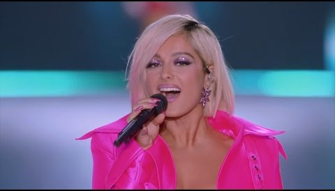 Download Music Bebe Rexha - I'm A Mess (Live From The Victoria's Secret 2018 Fashion Show)