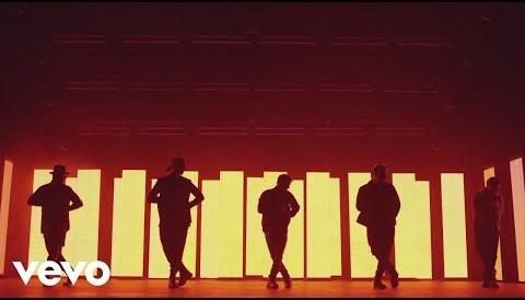 Download Music Backstreet Boys - Don't Go Breaking My Heart