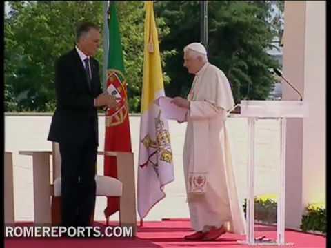 """Benedicto   XVI  """"El mayor ataque contra la Iglesia procede de dentro  son los   abusos sexuales cometidos por sacerdotes"""""""