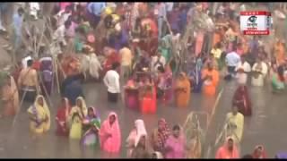 दिल्ली: छठ पूजा के पर्व पर संगमविहार में दिखा आस्था का सैलाब