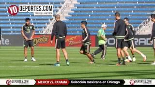 La seleccion mexicana entrenando en el Toyota Park antes de enfrentar a Panamá
