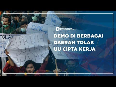 Demo di Berbagai Daerah Tolak UU Cipta Kerja | Katadata Indonesia