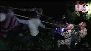 Mussoorie : फोन की वजह से 300 मीटर नीचे खाई में गिरा युवक, फिर अटक गई सबकी सांसे...