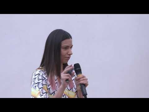 What does living in the present mean? | Tammy Joanna | TEDxBucharestSalon