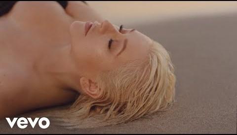Download Music Christina Aguilera - Twice (Audio)