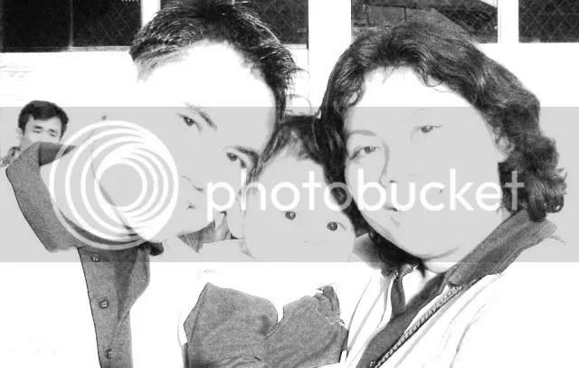 Aku, suamiku dan anak kami Arga