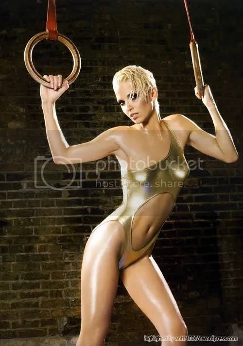 Girls Aloud (Sarah Harding)