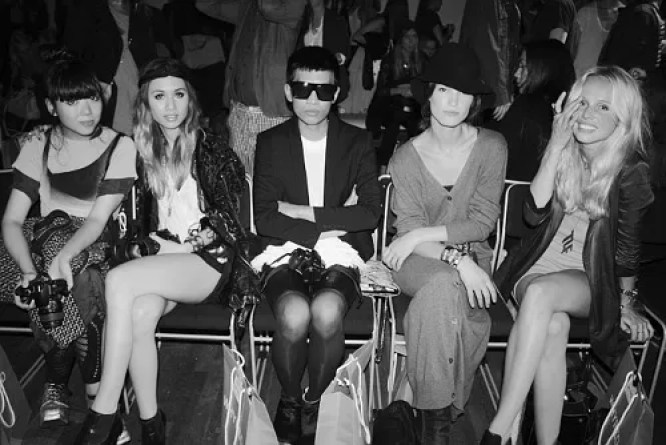 bloggers frontrow