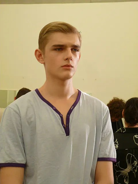 Prada Backstage - Menswear Spring Summer 2011