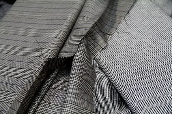 suiting fabrics for made to measure suit