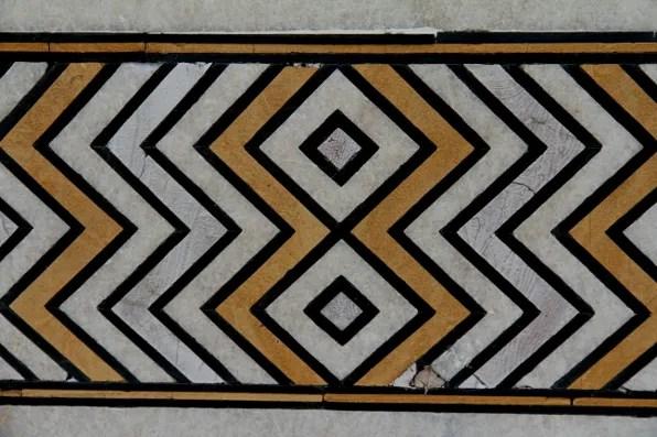 Outdoor chevroon pattern at Taj Mahal
