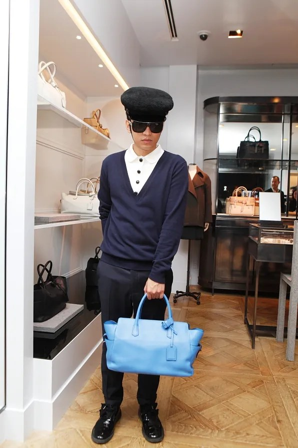 Bryanboy holding a Reed Krakoff 510 Tote I