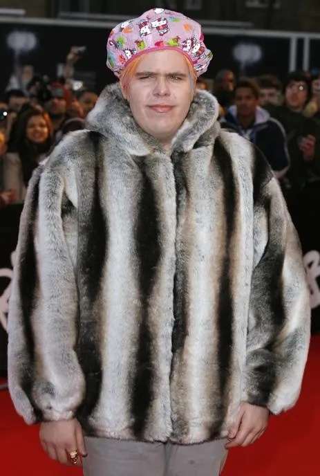 Perez Hilton wearing a Hello Kitty shower cap at 2008 Brits Awards