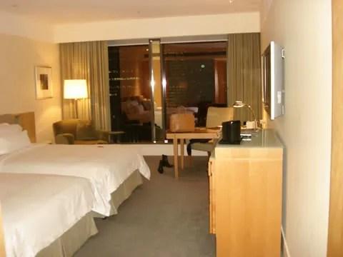 Westin Hotel, Sydney, bed