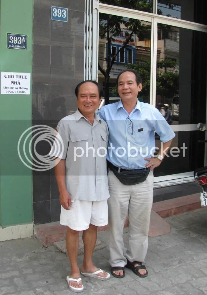 Trước căn nhà 393 đường Hải Phòng ĐN (nhớ xưa là số nhà 333)