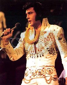 elvis presley photo: Elvis Presley 220px-ElvisPresleyAlohafromHawaii.jpg