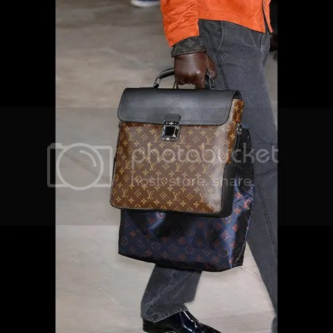 Louis Vuitton Men's Fall/Winter 2009-10 Show: Bags