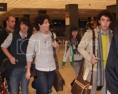 Jonas Brothers loves Louis Vuitton
