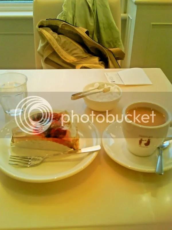 Snaffles Fruit tart and Earl Grey tea