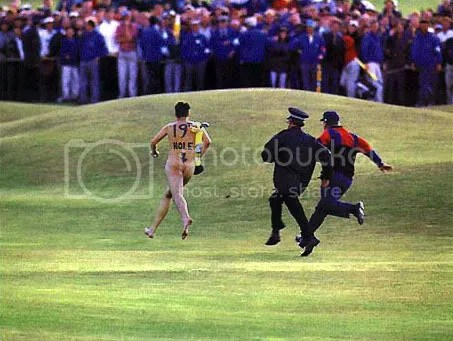 naked runner at golf tournament chicago see ass