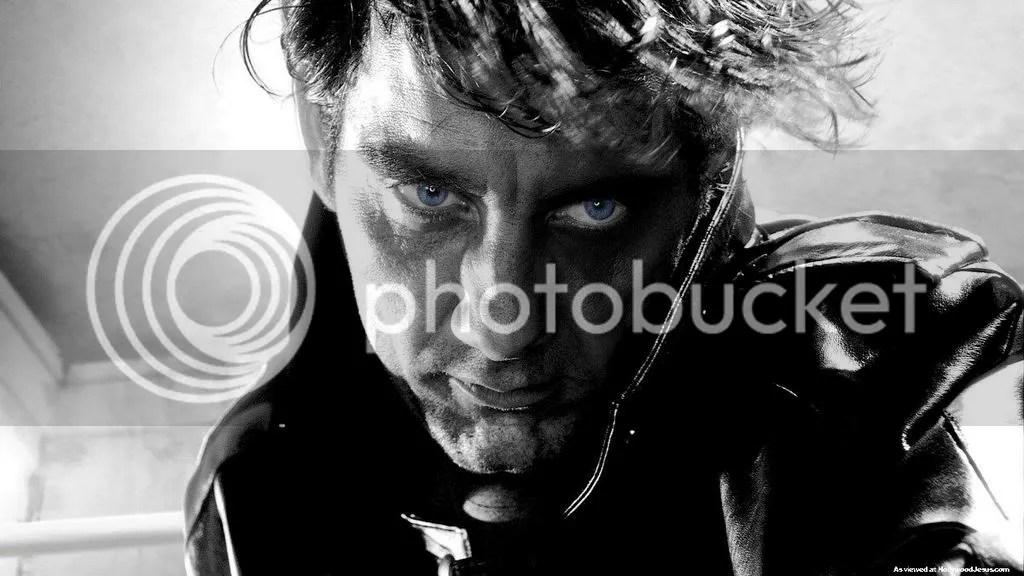 Esos ojos azules destacan, aunque dan caguelo.