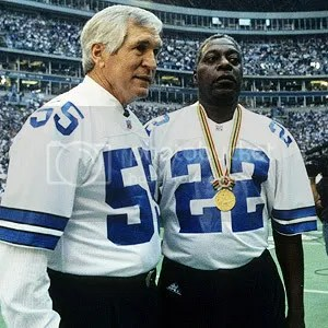 4d90d248a78 Former Cowboys greats Lee Roy Jordan (left) and Bob Hayes — wearing his  gold medal — were celebrated before a game in 1996.