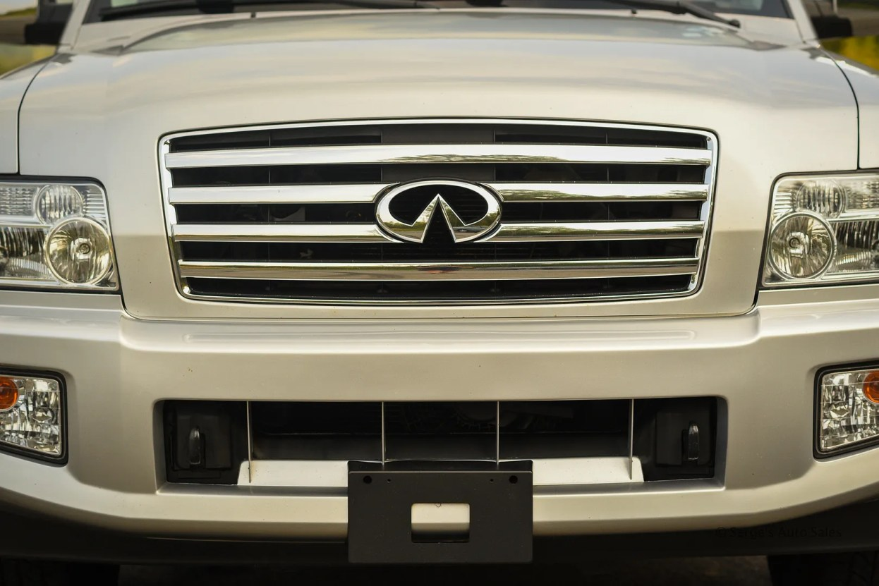 photo Infiniti-Serges-Auto-Sales-Car-dealer-Pennsylvania-QX56-Scranton-Nepa-29_zpsmbtslqcf.jpg