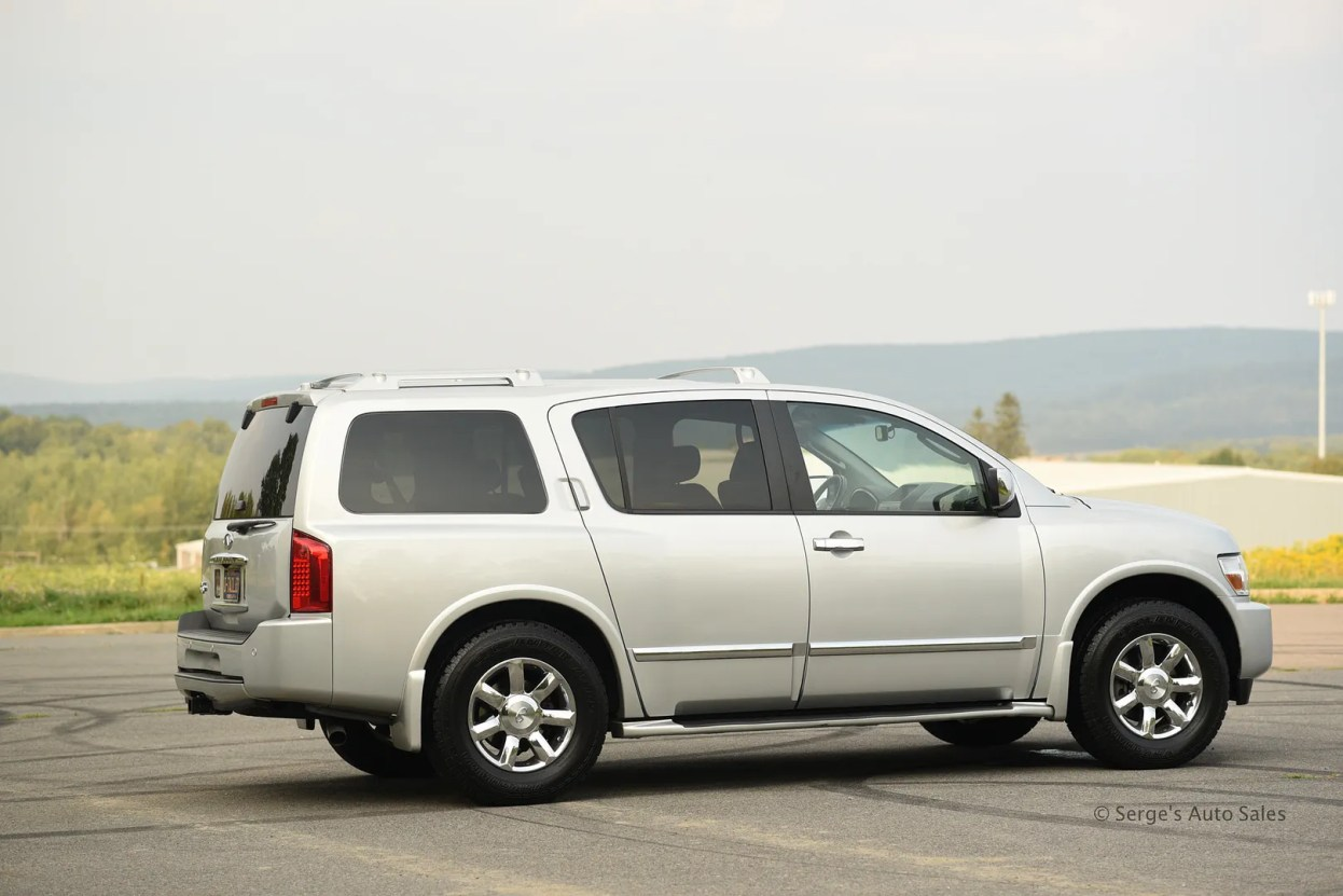 photo Infiniti-Serges-Auto-Sales-Car-dealer-Pennsylvania-QX56-Scranton-Nepa-9_zpsqskjoukc.jpg