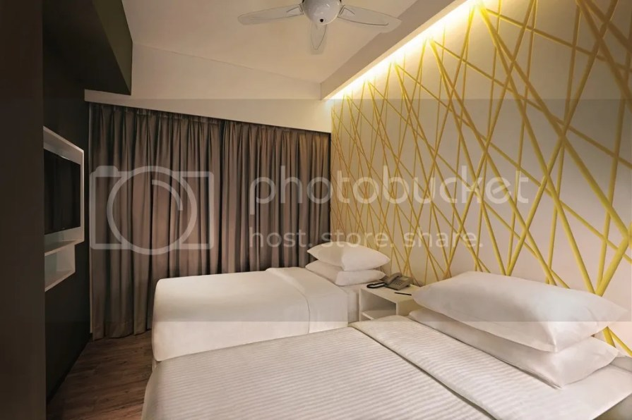 photo First World Hotel Annex Tower XYZ Deluxe Room_zps0v8fgoir.jpg