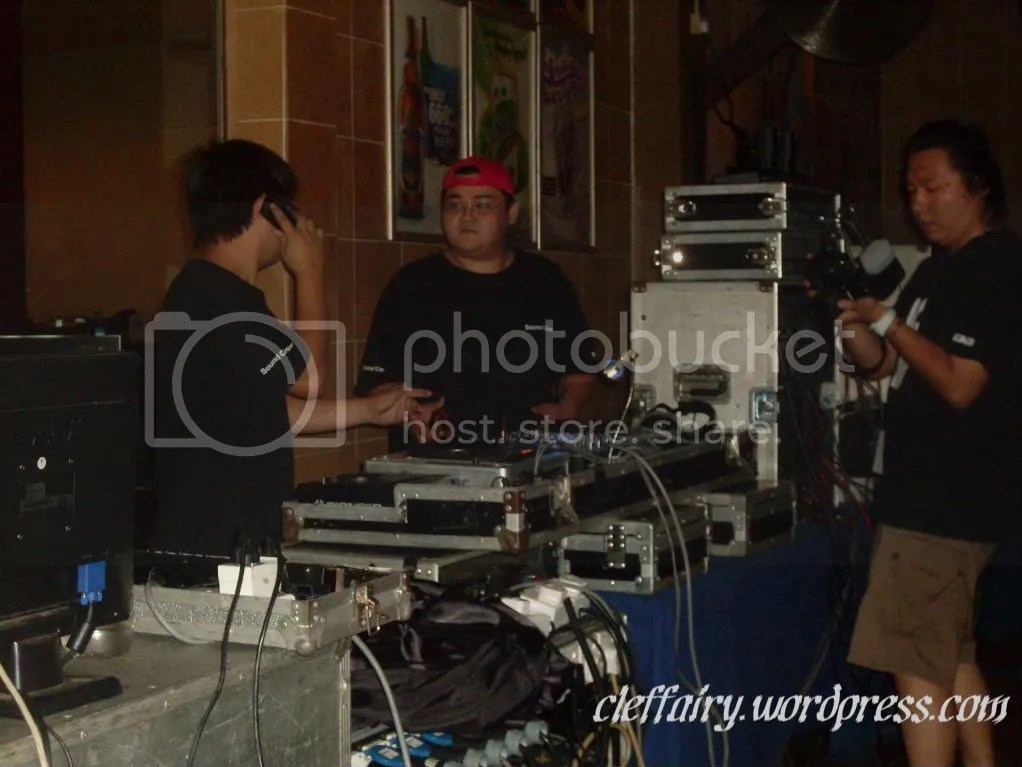 A picture of the sound engineer, deejay and photographer