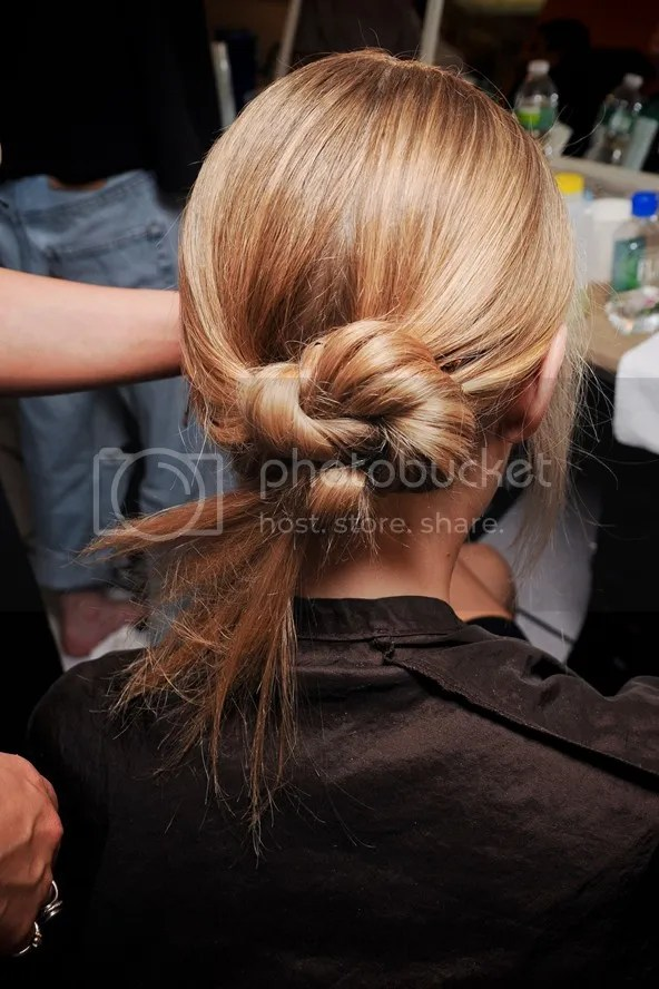 photo hairstyleforpartyseasonbeautyenxhi18_zps600fd77d.jpg