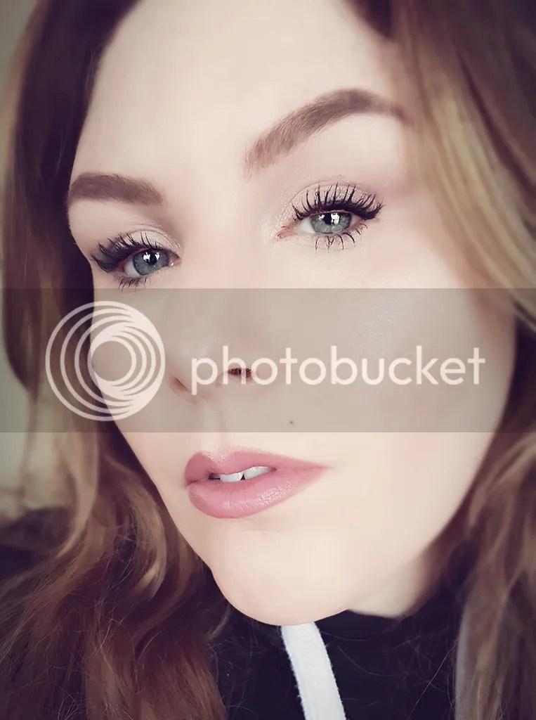 photo Dec. in Makeup - Bee Beauty 12_zpsezlpmcrp.jpg