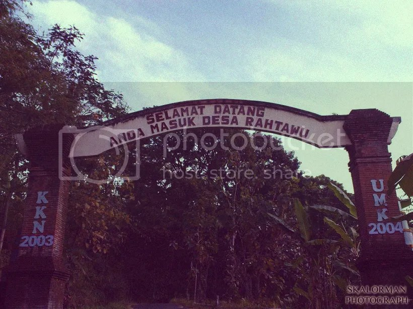 Gapura Desa Rahtawu