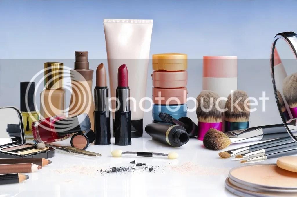 Make Up Yang Bagus Untuk Wajah Berjerawat