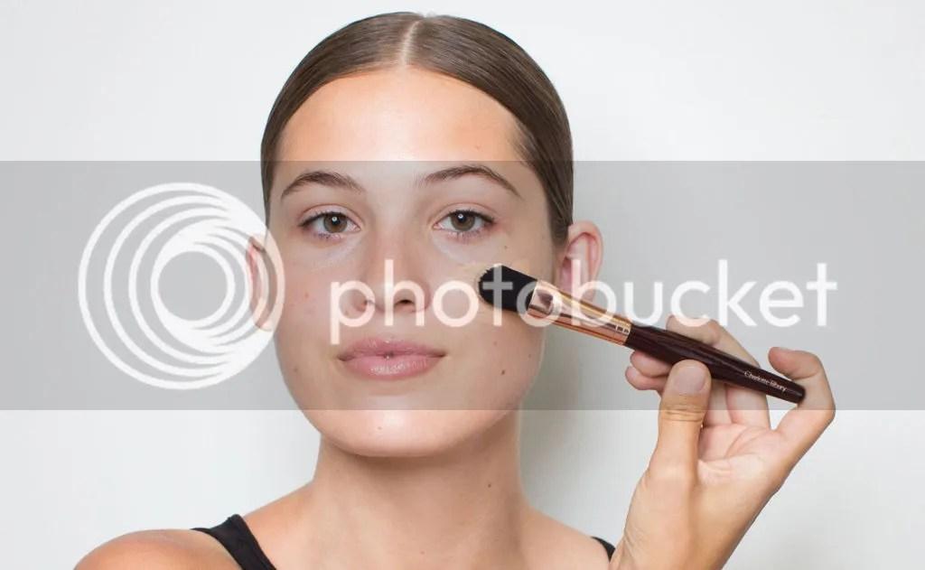 Make Up Yang Cocok Dan Bagus Untuk Wajah Berjerawat
